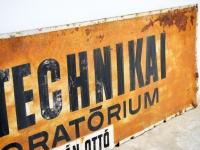 Loft design régi cégtábla old signboard alte Schild dekoráció dekoration decoration ipari industrial industriell shabby chic rusty style artkraft