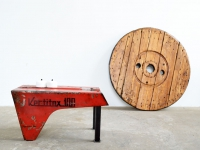 Loft design traktor dohányzóasztal tractor coffee table Traktor Couchtisch éjjeliszekrény Nachttisch nightstand ipari industrial industriell shabby chic rusty style artkraft
