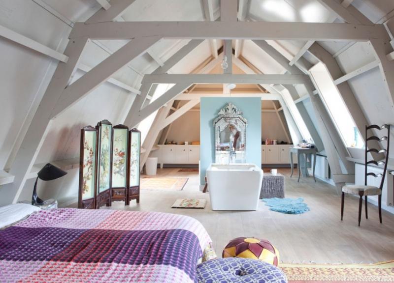 Loft transformed from a former garage artkraft loftdesign - Pinterest deco vintage ...