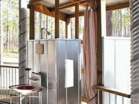 marvelous-metal-outdoor-shower-520x694