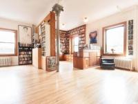 Contemporary nostalgic loft in New York