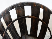 loft design metal basket blinder Metallkorb patinás fémkosár industrial furniture unbrella stand industrieller Schirmständer shabby chic rusty style artkraft