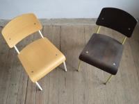 Loft design dizájn klasszikus Prouvé Vitra szék Prouvé Design Classic Vitra chair Prouvé Vitra Design Klassiker Stuhl