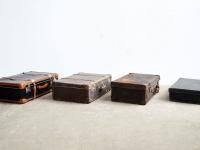 Loft design bőrönd suitcase Koffer játéktároló toy storage Spielzeug Speicher újságtartó magazine rack Zeitschriftenständer ipari industrial industriell shabby chic rusty style artkraft