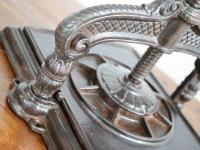 Loft design régi könyvprés old book press alte Buchpresse dekoráció dekoration decoration ipari industrial industriell shabby chic rusty style artkraft