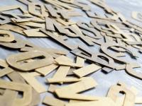 Loft design régi rézbetűk Alte Messingbuchstaben Old brass copper letters dekoráció dekoration decoration ipari industrial industriell shabby chic rusty style artkraft