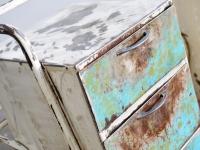 Loft design régi asztalka éjjeliszekrény old table bedside Alten Tabellen Krankenbett