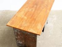 Loft design régi old alte vas íróasztal iron metal desk metall Schreibtisch dolgozóasztal working table Arbeitstisch ipari industrial industriell shabby chic rusty style artkraft