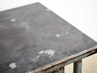 Loft design régi satupad ipari asztal industrial vise desk Schraubstock Schreibtisch Fabrik Tisch konyhasziget kitchen with island Küche mit Kochinsel pult counter shabby chic rusty style artkraft