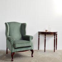 Loft design zöld bársonyfotel green velvet armchair grüne Samt-Sessel klasszikus klassisch classic olvasófotel reading chair Lesesessel shabby chic rusty style artkraft