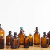 Loft design régi gyógyszerészeti üveg old pharmaceutical bottles alt Pharmaflaschen váza vase Vase dekoráció decoration dekoration ipari industrial industriell shabby chic rusty style artkraft