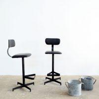 Loft design Régi ipari műhelyszék bárszék High stools industrial workshop chair Hohe Barhocker Werkstattstühle shabby chic rusty style artkraft
