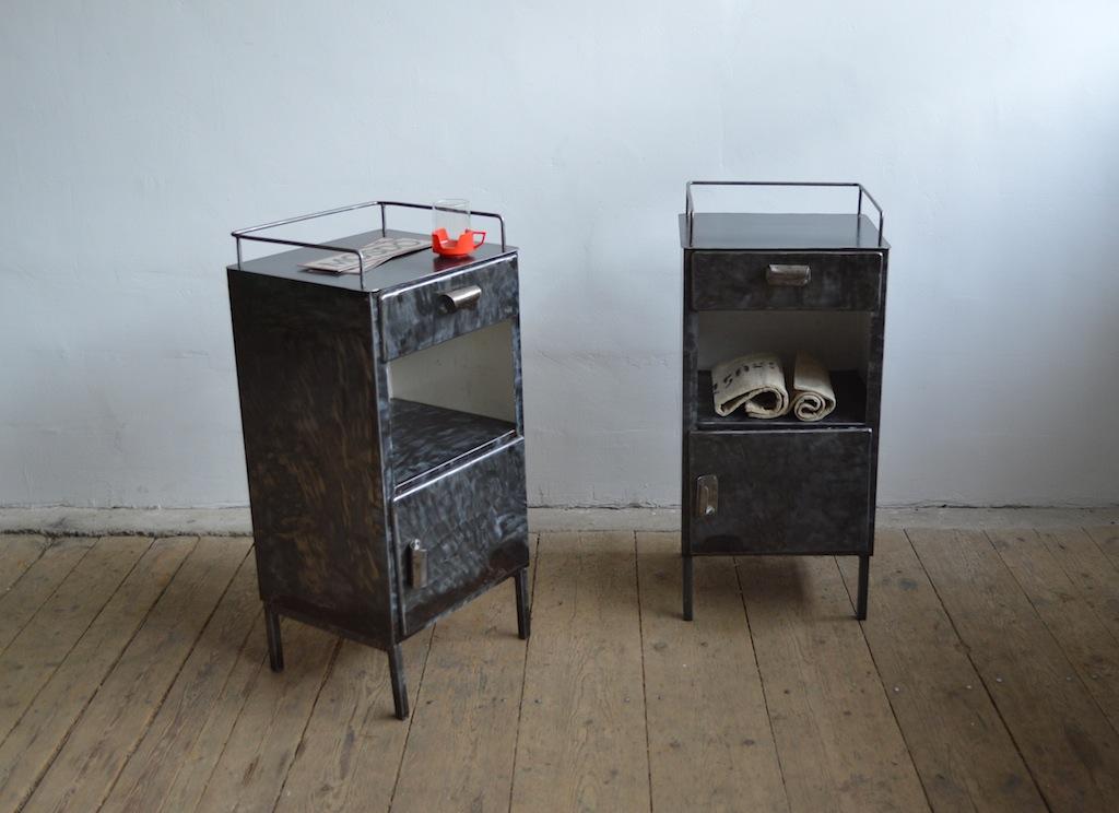 Kleine Metallschranke Small Metal Cabinet Bedside Table From Hospital Nachttisch Aus Krankenhaus Medical Decoration Furniture