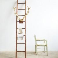 Loft design hosszú falétra lange Holzleiter long wooden ladder