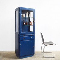 Loft desig régi ipari industrial industriell kék orvosi vitrin blue medical cabinet blaue Medizinschrank shabby chic rusty style artkraft
