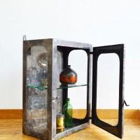 Loft design Kis fém orvosi faliszekrény Metal cupboard kleine medizinische Kabinett faliszekrény wall cabinet Wandschrenk