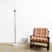 Loft design állólámpa gömburával floor lamp with spherical shade kugelförmige Lampe mit Schatten hangulatvilágítás Stimmungsbeleuchtung mood lighting